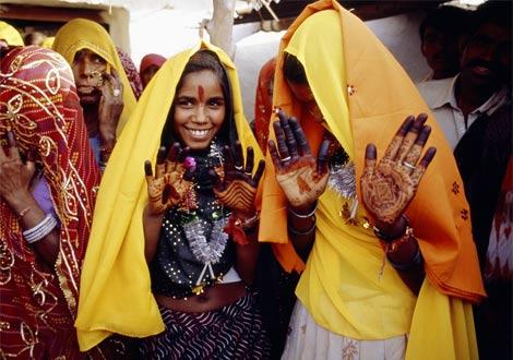 india_henna-girls.jpg